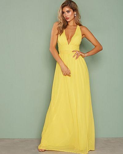 Till dam från Nly Eve, en gul maxiklänning.