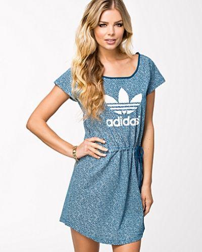 Eq Ao Dress Adidas Originals klänning till dam.