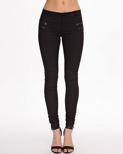 Byxa Fame Super Slim Pants från Noisy May