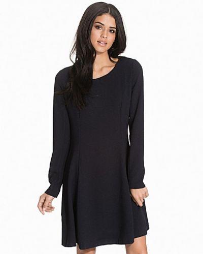 Felippe Dress B.Young klänning till dam.