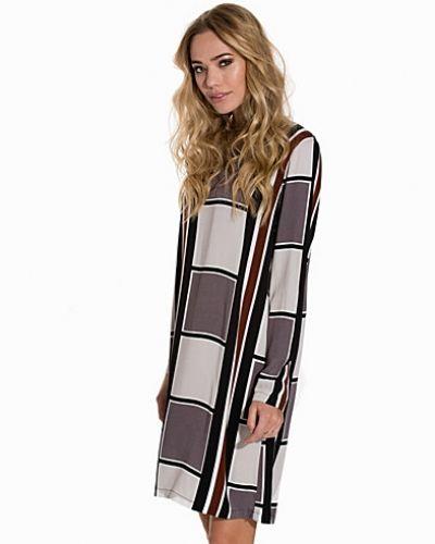 Felka Dress Soft Rebels klänning till dam.