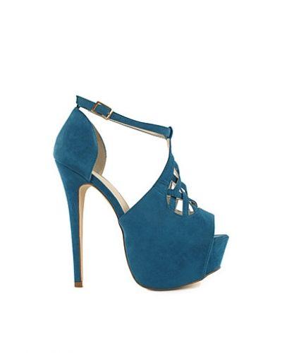 Till dam från Nly Shoes, en blå högklackade.