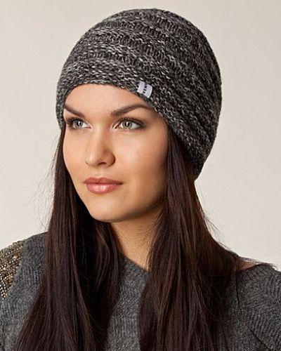 Fia Hat från Svensk, Mössor
