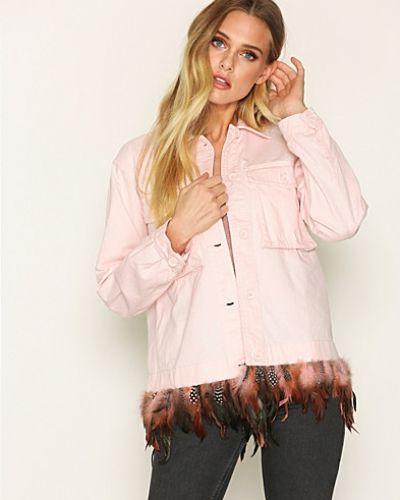 Till dam från Topshop, en rosa jeansjacka.