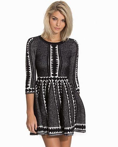 Långärmad klänning Fit And Flare Jumper Dress från Topshop