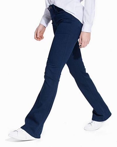Till tjejer från Gant Rugger, en blå bootcut jeans.