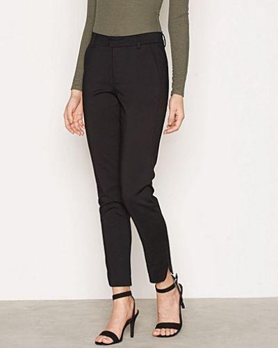 Byxa Flawless Slim Pants från NLY Trend