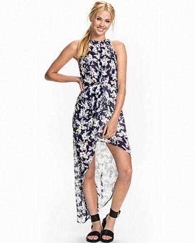 Floral Chiffon Dress Glamorous maxiklänning till dam.