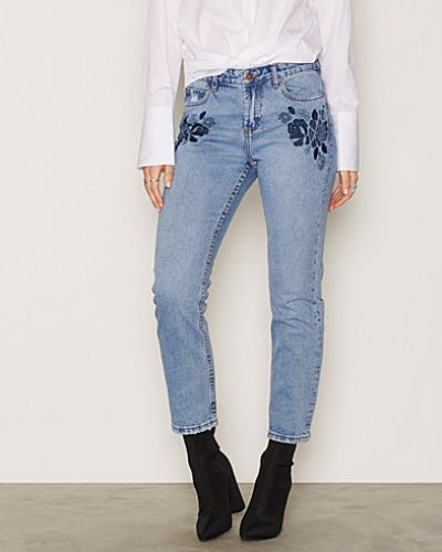 Floral Embroidered Straight Leg Jeans New Look straight leg jeans till dam.
