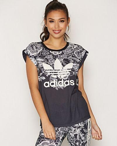 T-shirts från Adidas Originals till dam.