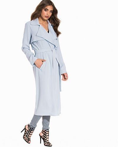Till dam från Miss Selfridge, en blå kappa.