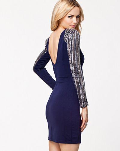 TFNC långärmad klänning till dam.