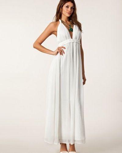 Till tjejer från NLY Trend, en vit studentklänning.