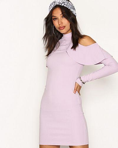Frill Cold Shoulder Dress Missguided långärmad klänning till dam.
