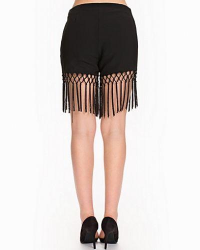 Till dam från Glamorous, en svart shorts.