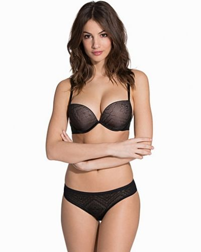 Full Effect Silhoutte Lace Bra Wonderbra push up-bh till tjejer.