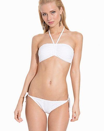 Till tjejer från Marie Meili, en vit bikini bh.