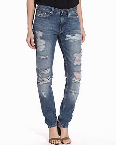 Till dam från Hilfiger Denim, en blå straight leg jeans.