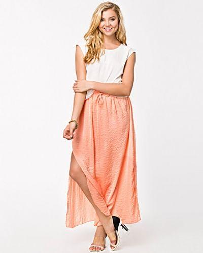 Till tjej från Rut&Circle, en orange långkjol.