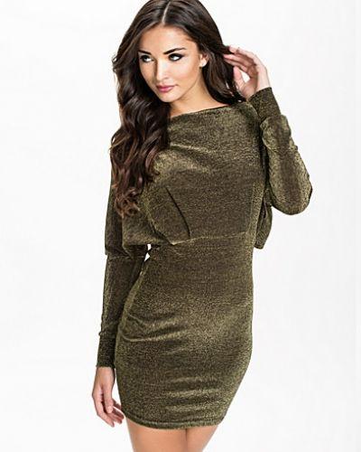 Till dam från Rare London, en guld långärmad klänning.
