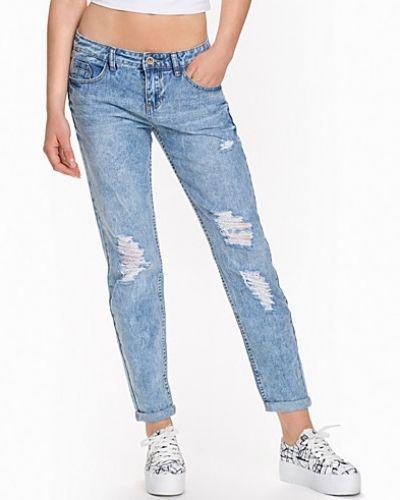 Boyfriend jeans från New Look till dam.