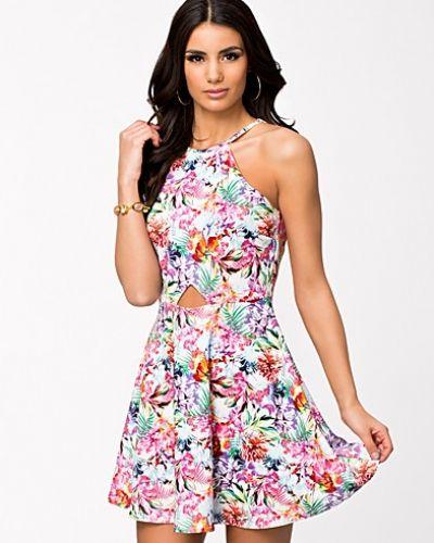 f2a4b9417677 Oneness - Halter Skater Dress. Klänning Halter Skater Dress från Oneness