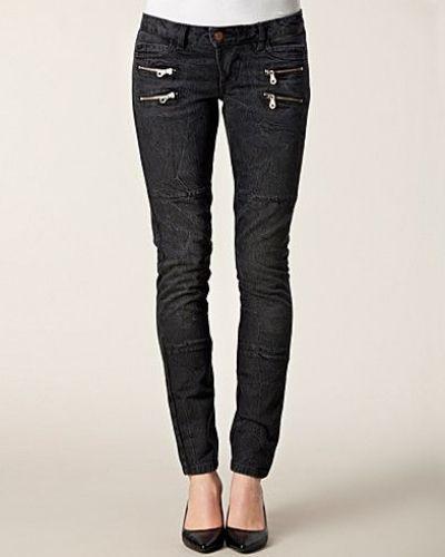 Till dam från Hunkydory, en grå slim fit jeans.