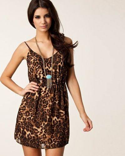 Helene Print Dress Jeane Blush studentklänning till tjejer.