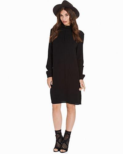 mbyM klänning till dam.