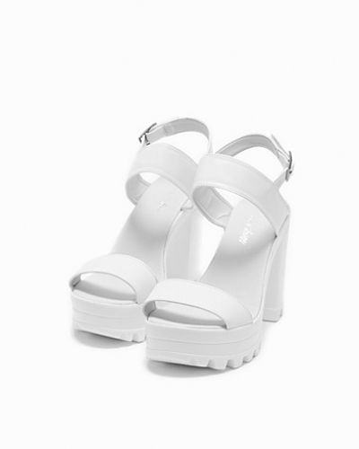 Högklackade High Heel Cleated Sandal från Nly Shoes