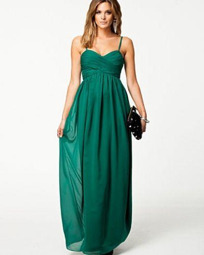 Till dam från Nly Eve, en grön maxiklänning.
