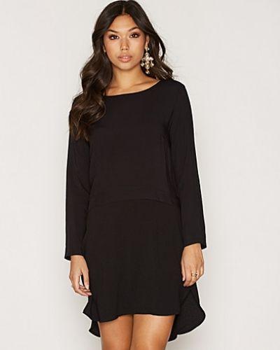 JDYBEATRICE L/S MIX DRESS WVN Jacqueline de Yong klänning till dam.