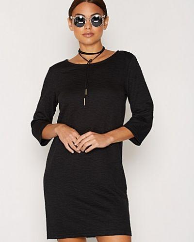 JDYCASE 3/4 ZIP DRESS SWT från Jacqueline de Yong