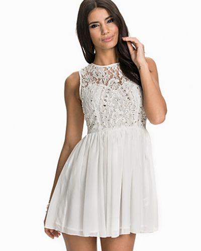 NLY One klänning till dam.