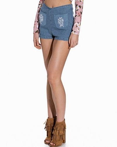 Kat Shorts Motel jeansshorts till tjejer.