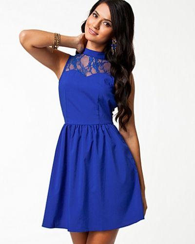 blå klänning dam