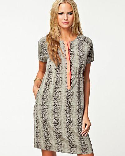 Custommade klänning till dam.