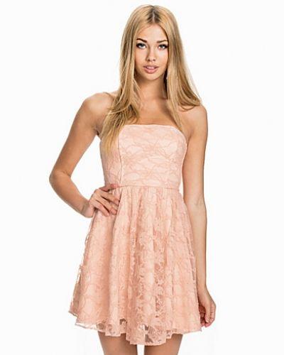 Lace Bandeau Dress John Zack bandeauklänning till dam.