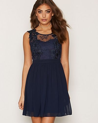 Lace Cover Dress NLY One klänning till dam.