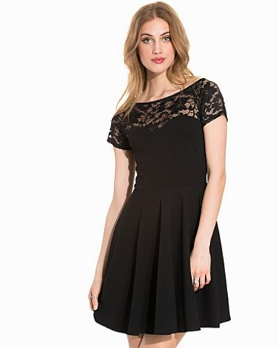 Klänning Lace Panel Bardot Neck Skater Dress från New Look