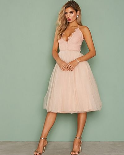 Till dam från Rare London, en rosa midiklänning.