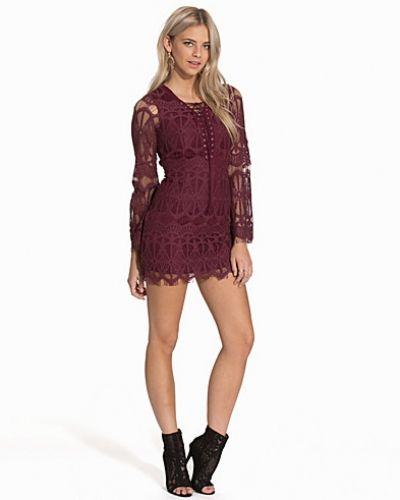 Lila långärmad klänning från Glamorous till dam.