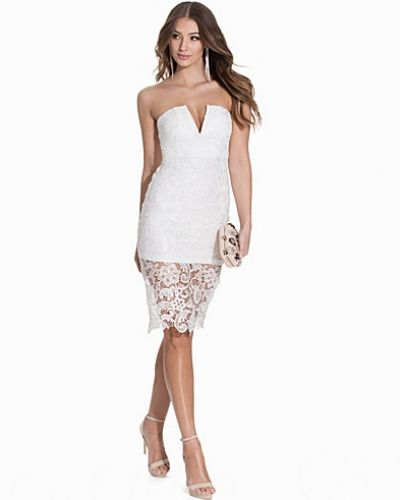 Bandeauklänning Lace V-Bodycon Dress från NLY One