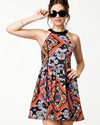 Lay Lady Dress Minkpink klänning till dam.