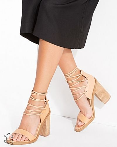 Festsko Leather Lace Up Block Heel Sandals från New Look