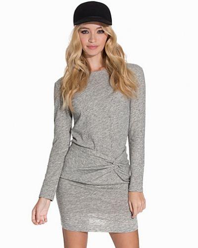 Leticia Dress IRO långärmad klänning till dam.
