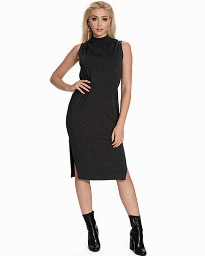 Klänning Lets Go Everywhere Dress från NLY Trend