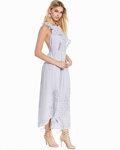 Till dam från Miss Selfridge, en lila maxiklänning.