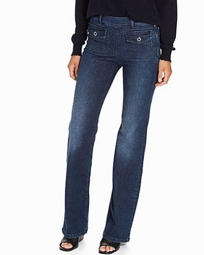 Filippa K bootcut jeans till tjejer.