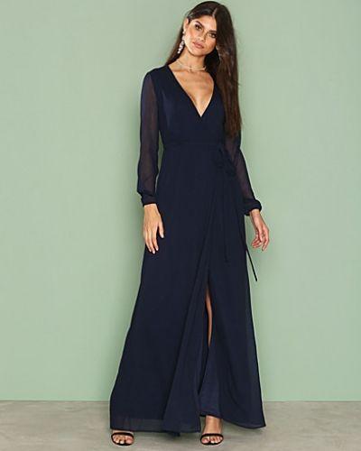 Till dam från Nly Eve, en blå långärmad klänning.